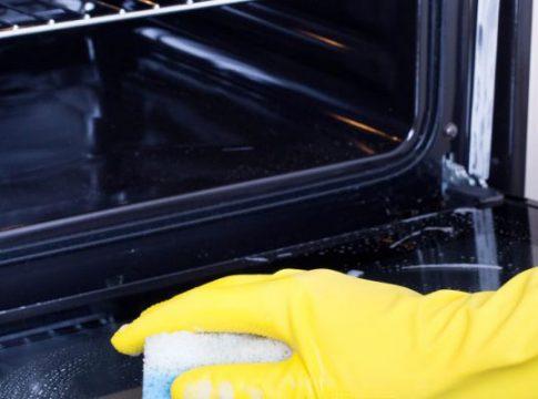 Почистване на домашна фурна -трикове и съвети