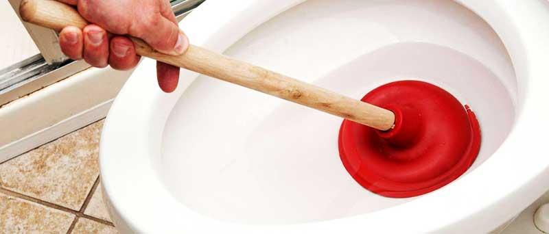 Как да отпушим тоалетната в банята