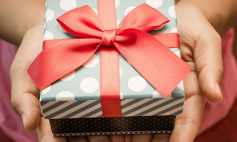 Как да изберем идеалния подарък за момче